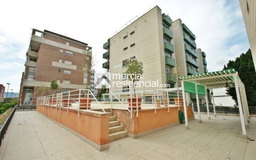 Piso en venta en San Anton con garaje y piscina