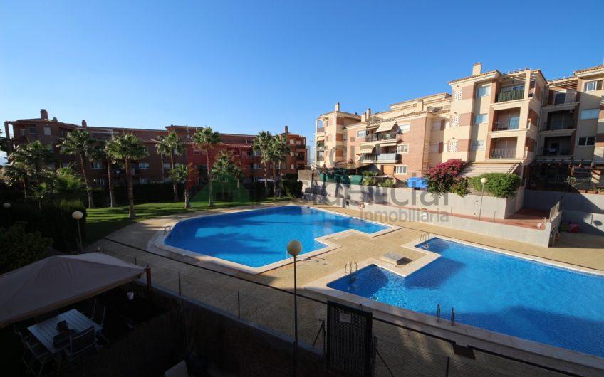 Piso en alquiler en Altorreal, amueblado y con piscina