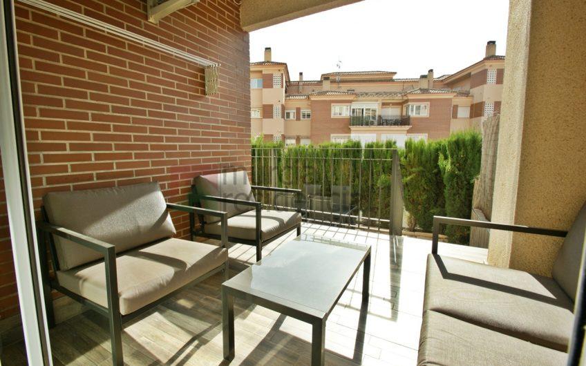 Piso con jardín privado de 3 dormitorios en venta en Altorreal