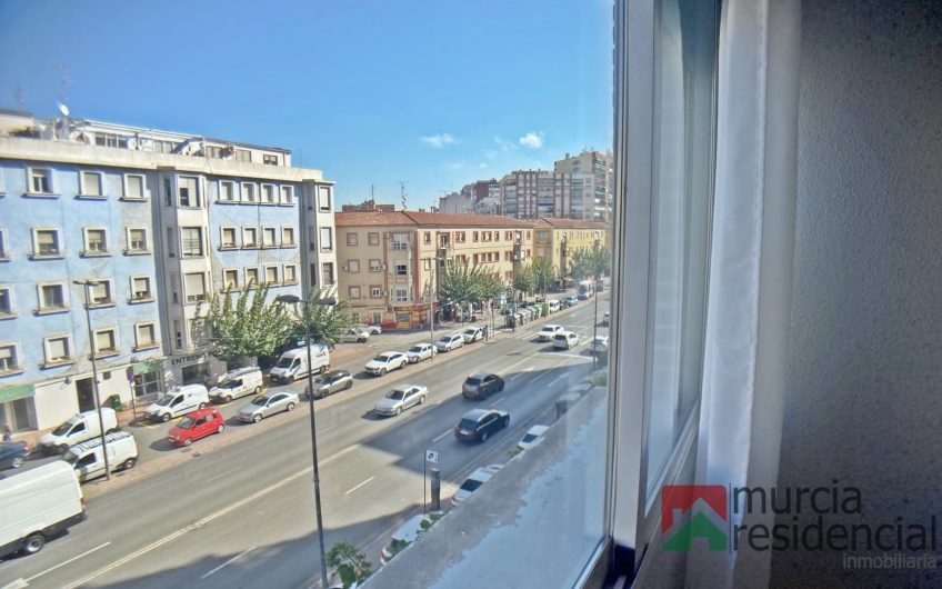 Piso céntrico reformado en alquiler Ronda Norte junto Plaza Diez de Revenga